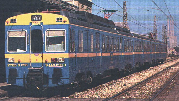 Els trens blaus de rodalies. Font: http://www.wefer.com/imatges/renfe/440-01.jpg